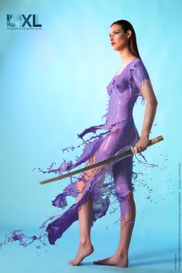 XLphoto-Purple-warrior-milkdress-met-Robijn-web-version